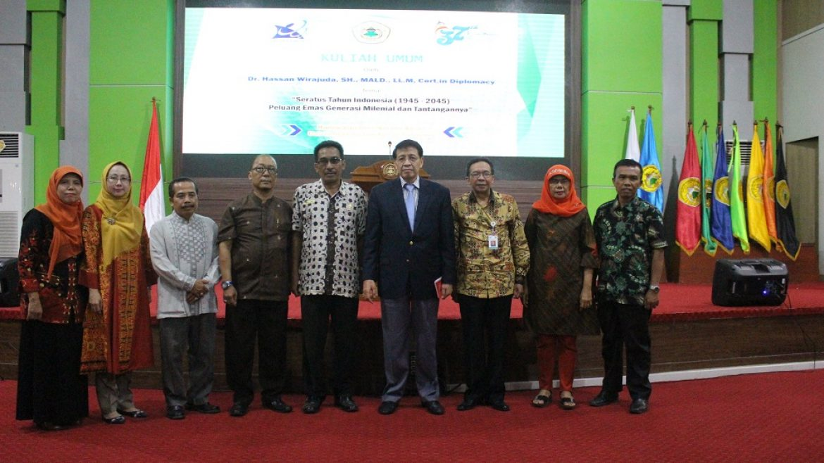Ex-Minister of the Ministry of Foreign Affairs Attended Public Lecture at Untirta