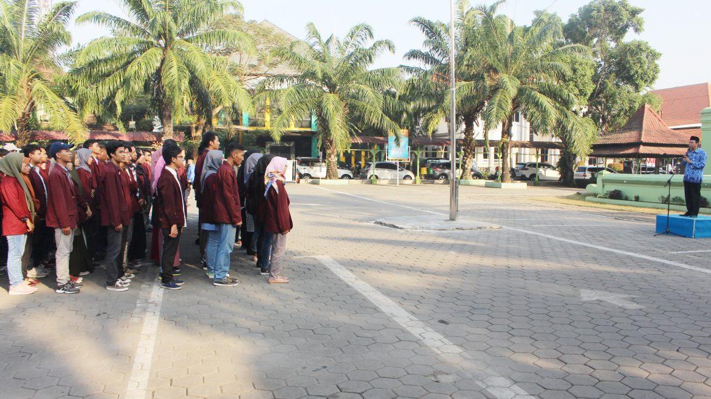 (Bahasa) Rektor Melepas 2210 Mahasiswa Peserta KKM Tahun 2019