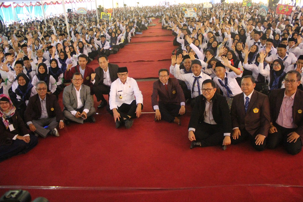 (Bahasa) Gubernur Banten Menghadiri KPK ( Kegiatan Pengenalan Kampus ) Untirta 2019