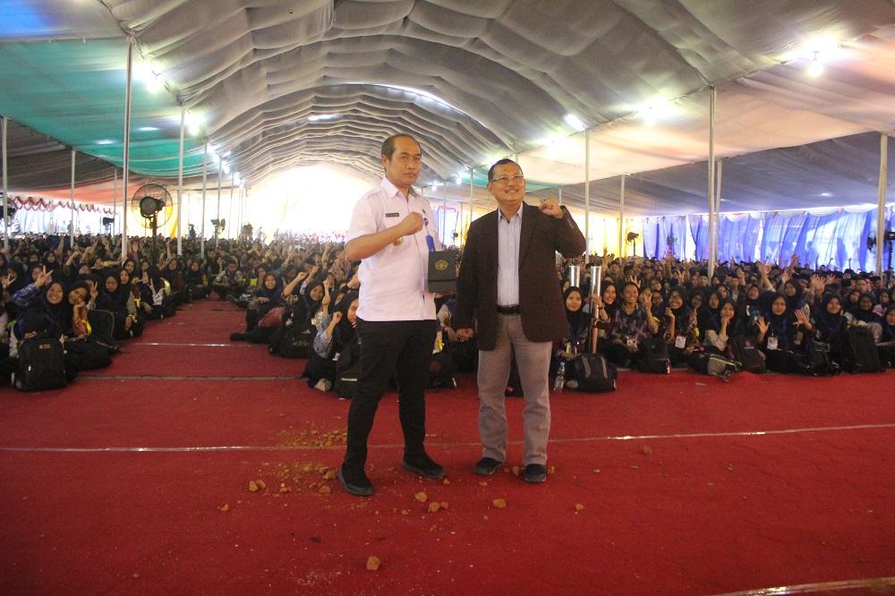 KPK ( Kegiatan Pengenalan Kampus ) Untirta dan Penyerahan Mahasiswa Baru ke Masing-masing Fakultas dan Prodi
