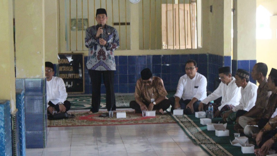 Untirta Visited the Grave of Sultan Ageng Tirtayasa