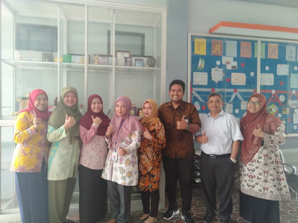 (Bahasa) Humas Untirta Sosialisasikan PMB dan Ke-Untirtaan di SMAN 28 Kab. Tangerang
