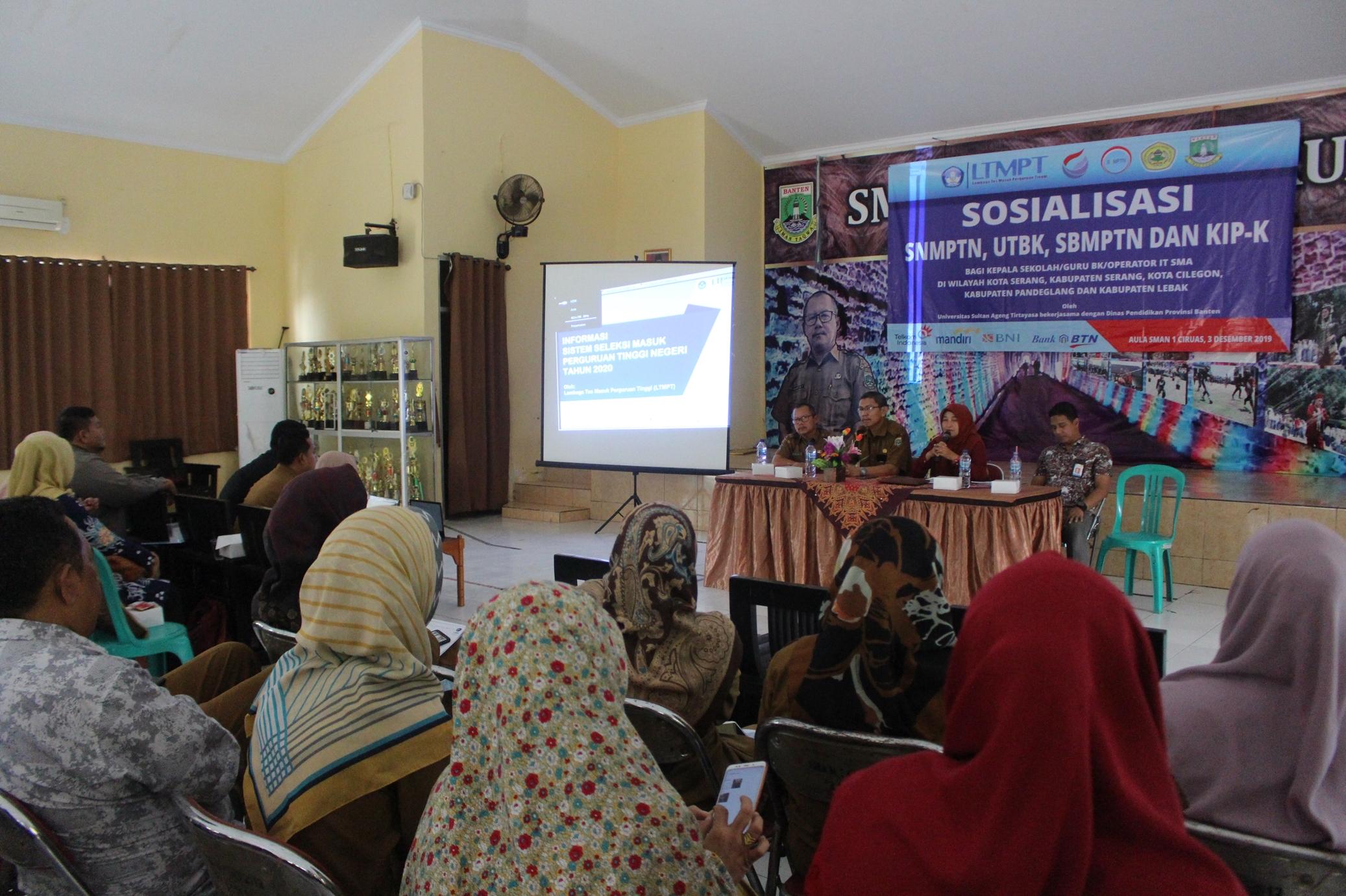 (Bahasa) Tim LTMPT Banten Sosialisasikan Jalur PMB Pada Guru SMA Se-Banten