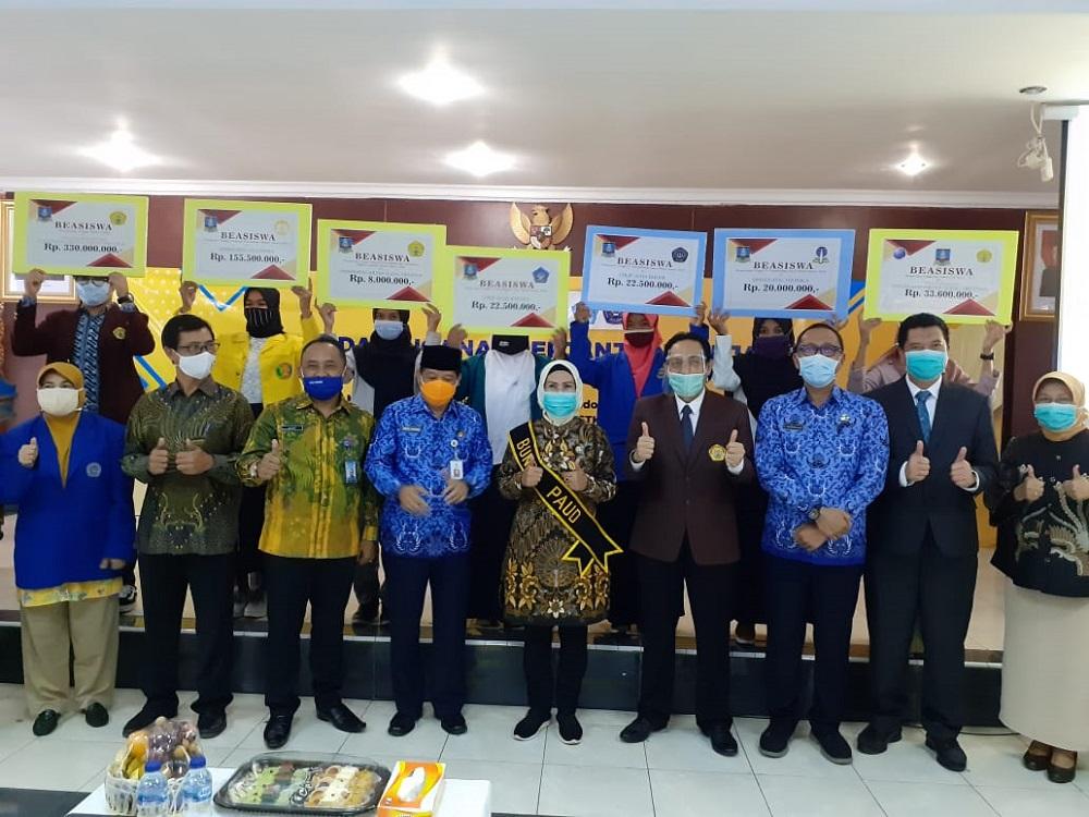 Peluncuran Program Kuliah Gratis Pemkab Serang Berlangsung Haru