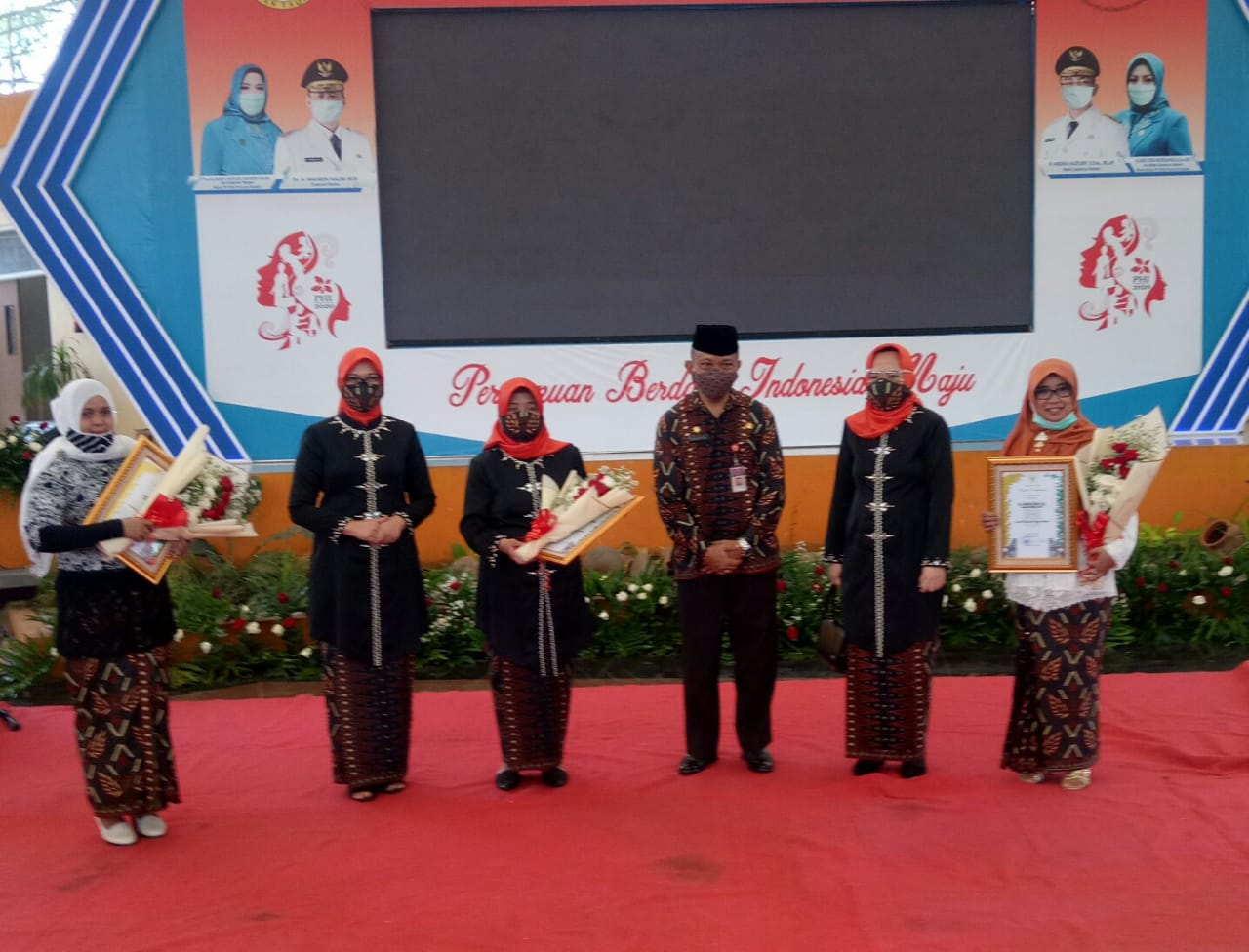 Dosen Untirta Raih Penghargaan dari Pemerintah Provinsi Banten