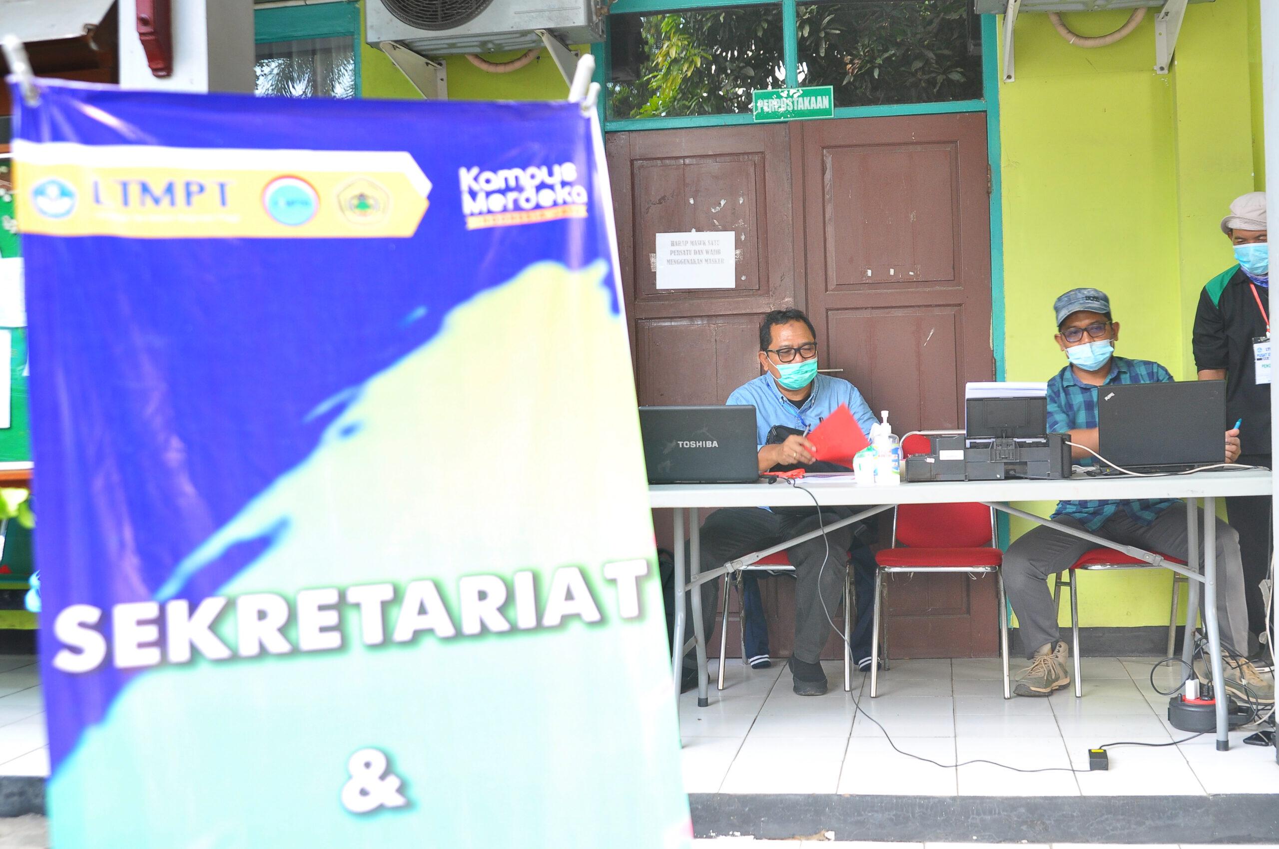 Pelaksanaan UTBK Hari Ketiga Di Pusat UTBK 311 Banten/Untirta