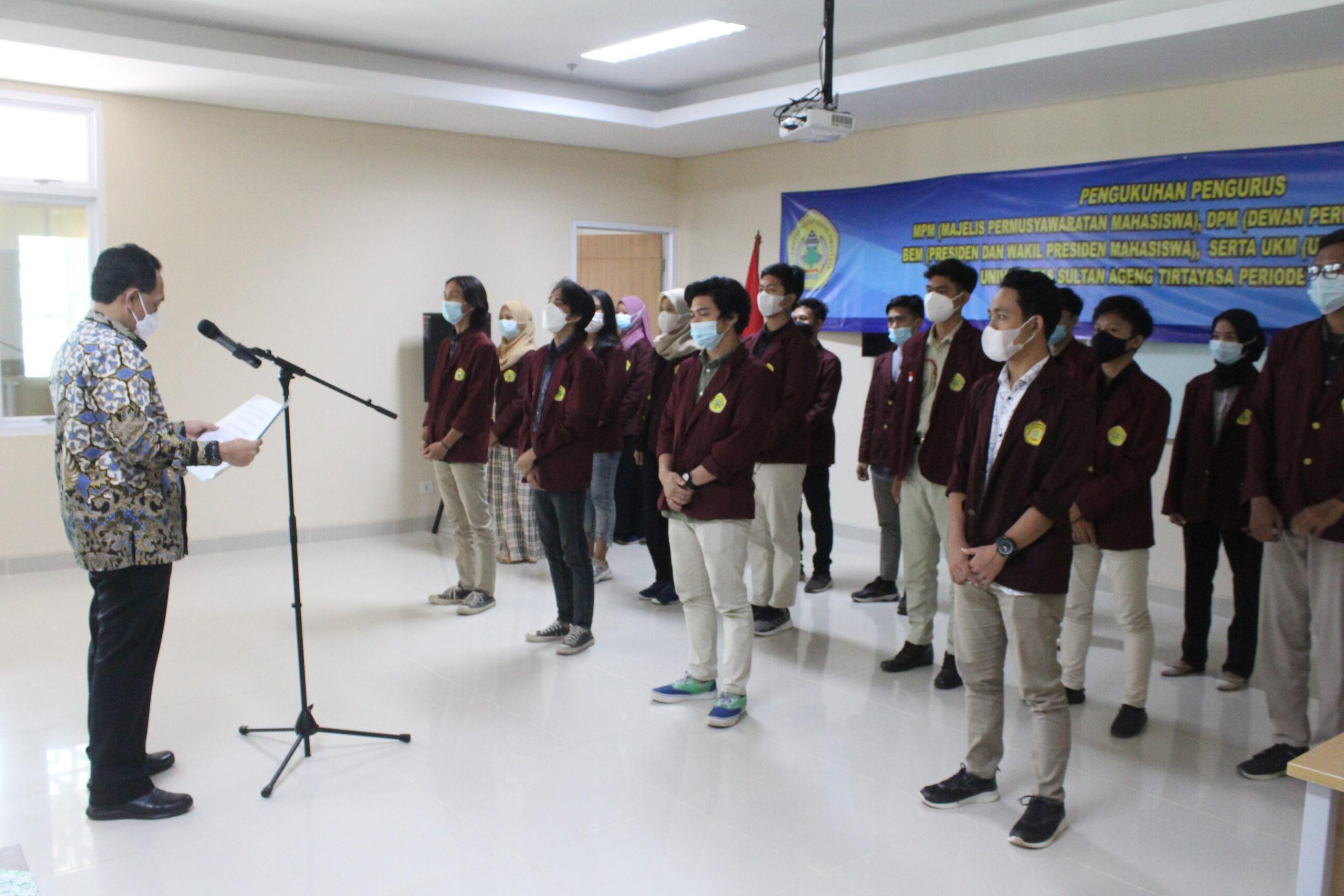 Rektor Melantik Pengurus ORMAWA Periode Tahun 2021 di Lingkungan Untirta